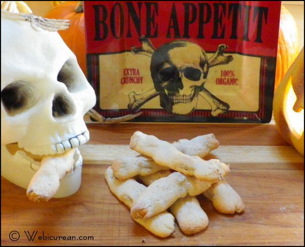 Ossi di Morti (Bones of the Dead cookies)