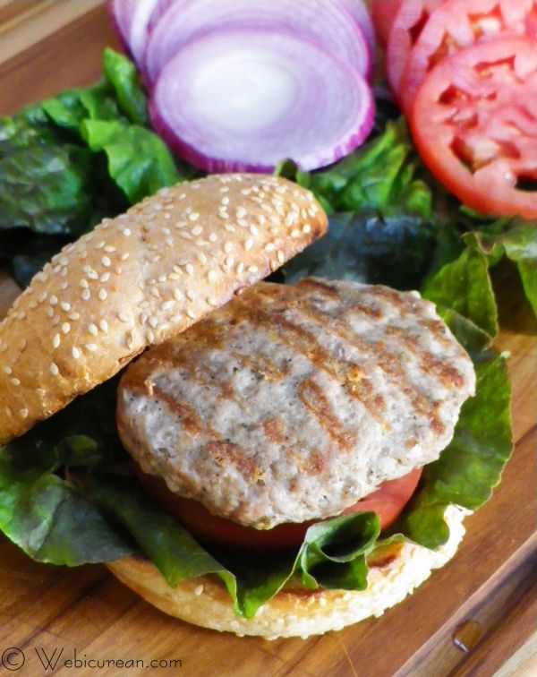 Smoky Turkey Burgers #SundaySupper | Webicurean