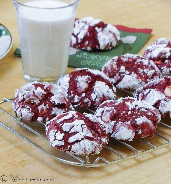 Red Velvet Crinkle Cookies #TwelveDaysofSanta | Webicurean