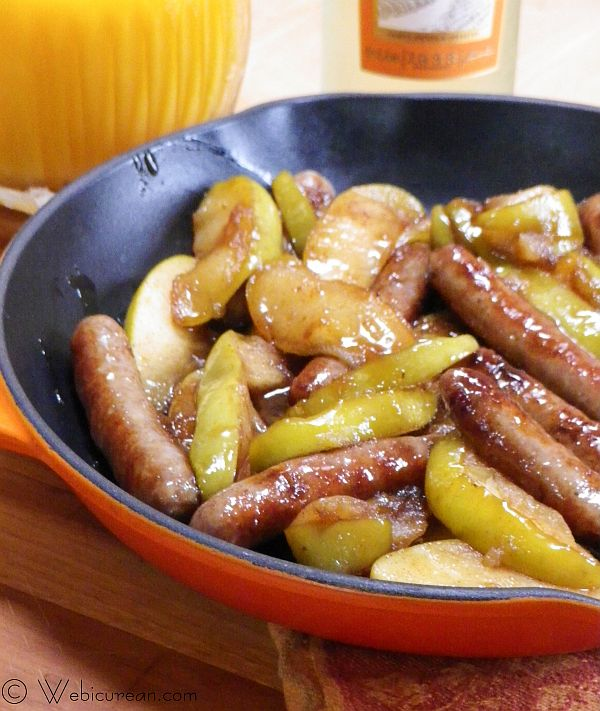 Breakfast Sausages w/Apples & Riesling #SundaySupper | Webicurean